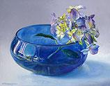 Blue glass bowl with Hydrangea