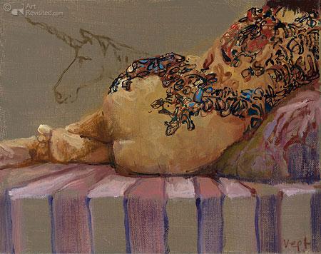 Liggend naakt-bloemen tattoo met eenhoorn